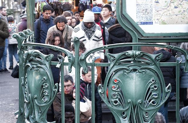 vol touriste à Paris